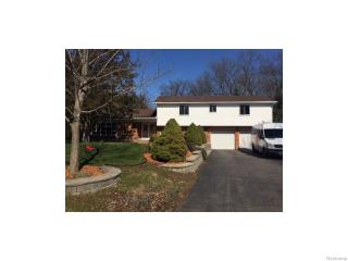 7632 Brookview Ct, Brighton Twp MI  48116-9499 exterior